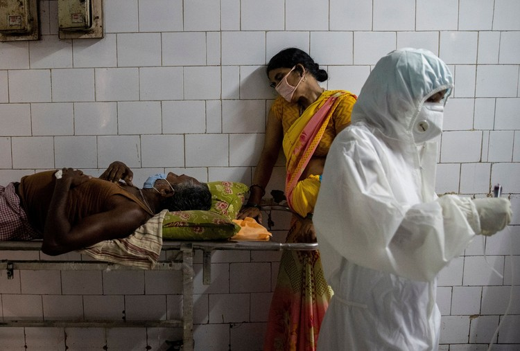 Дельта-вариант штамма коронавируса впервые был обнаружен еще осенью 2020 года в Индии и с тех пор захватил всю планету.