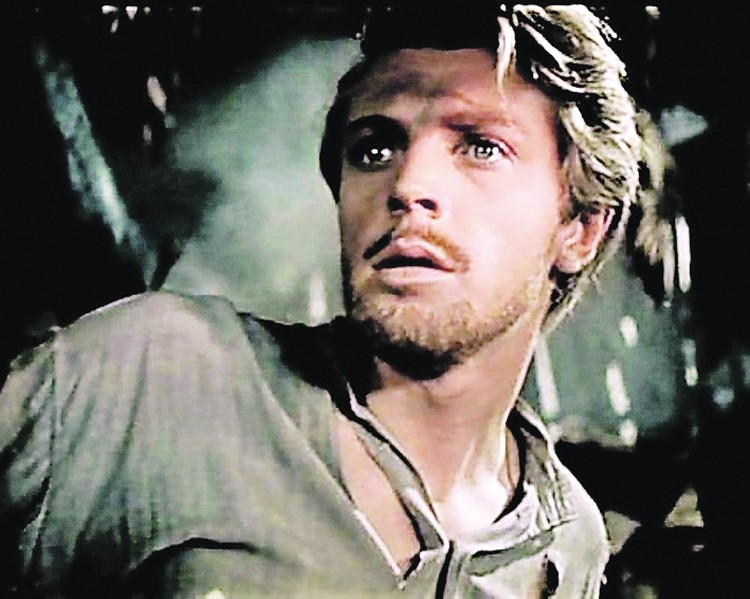 Олега Стриженова считали первым красавцем советского кино. Фото: Кадр из фильма «Сорок первый», 1956 г.