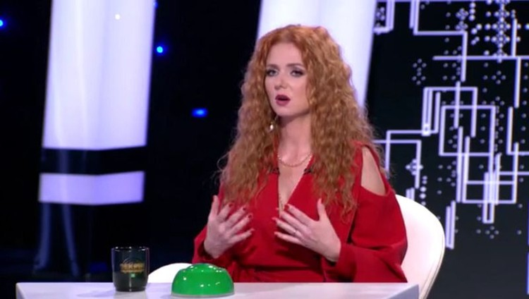 """О пережитом в детстве насилии Лена Катина рассказала в программе """"Секрет на миллион"""". Фото: кадр видео."""