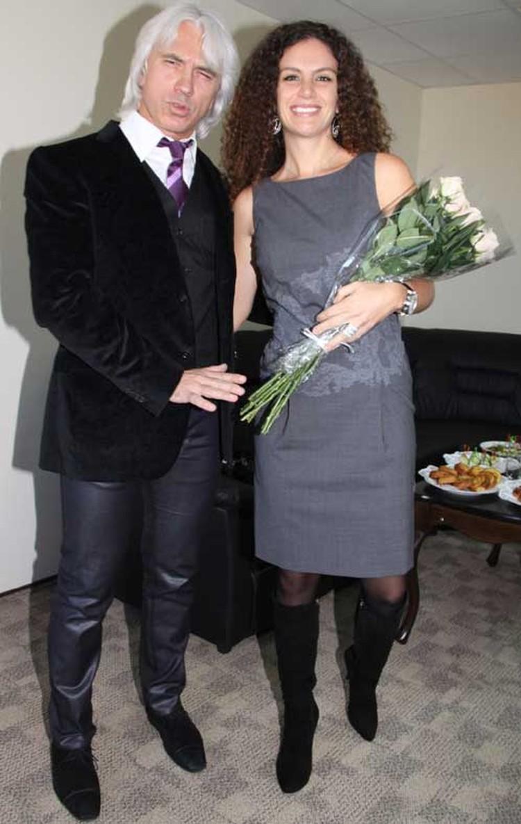 Супруга Дмитрия Хворостовского Флоранс с неодобрением относится к его увлечению парашютным спортом.