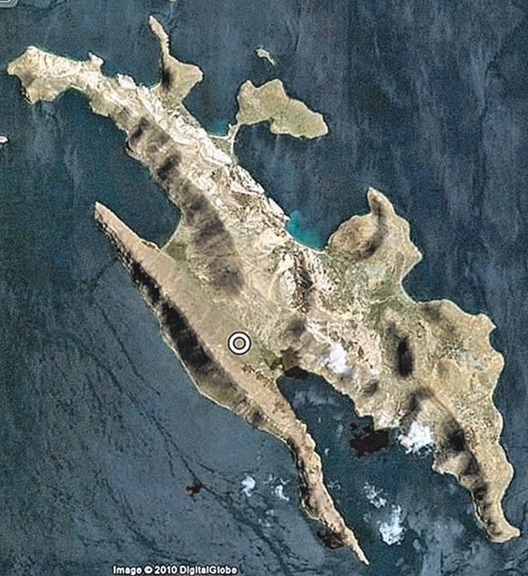 Этот остров на карте мира.  Кружком помечено место хранения «капсулы времени».