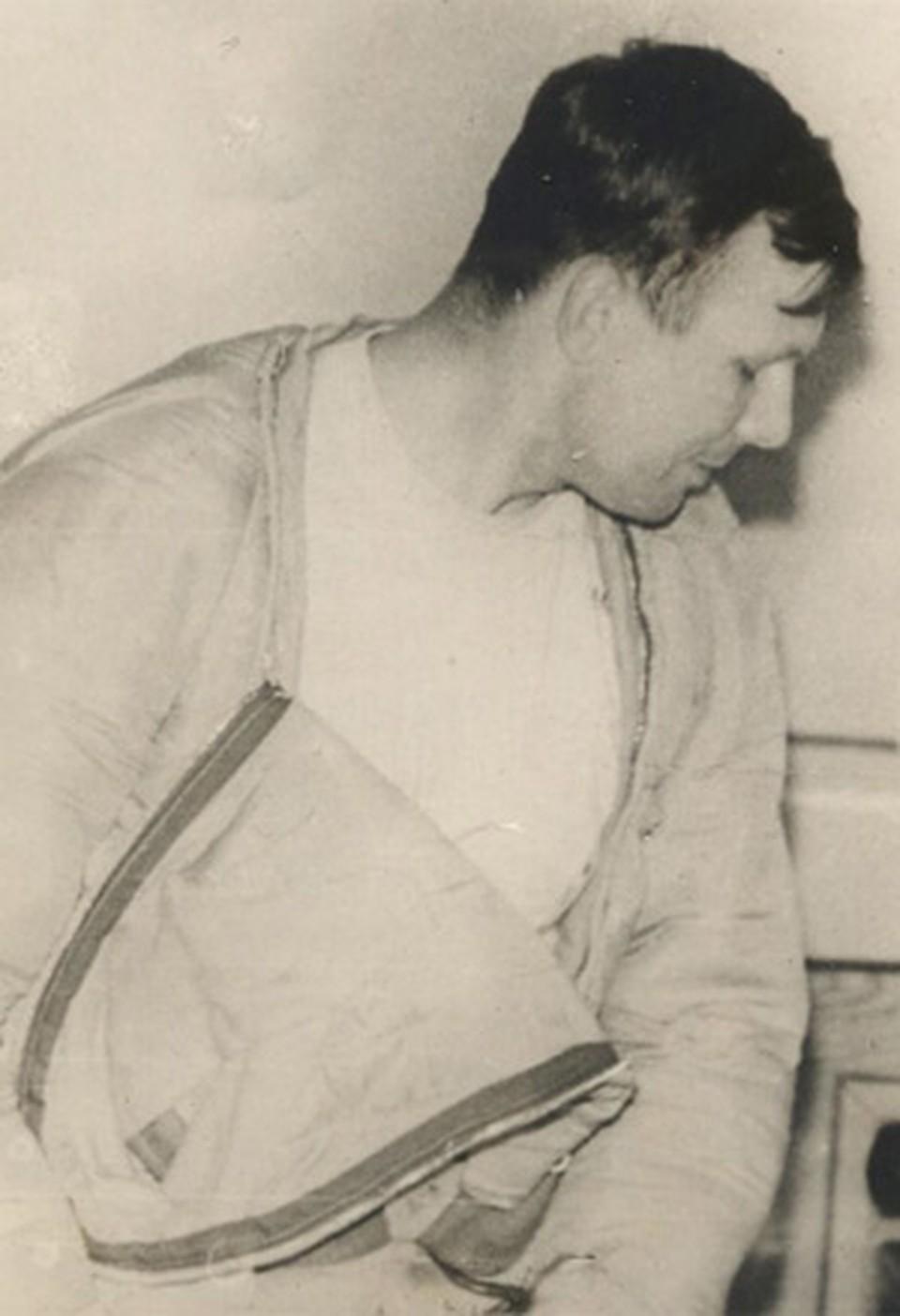 С Земли Юрий Гагарин поднялся старшим лейтенантом, а приземлился майором.