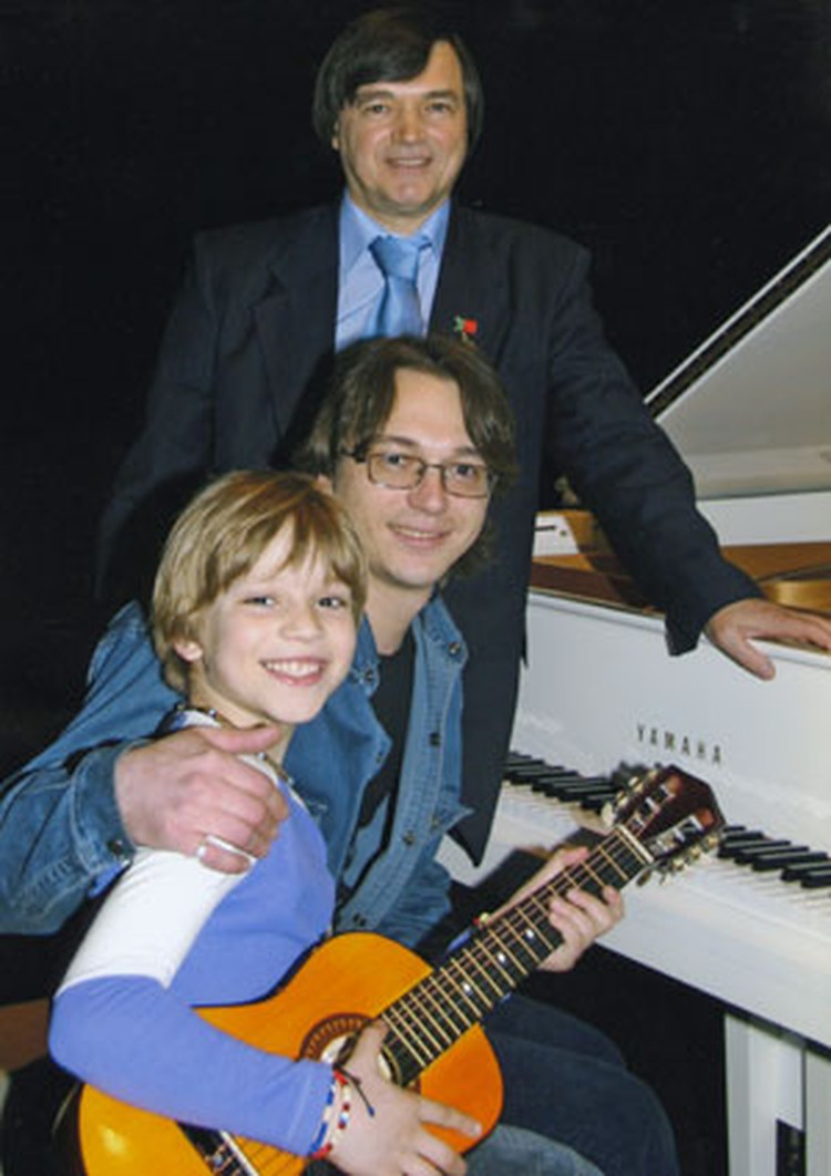 Три поколения Раинчиков - все музыканты.