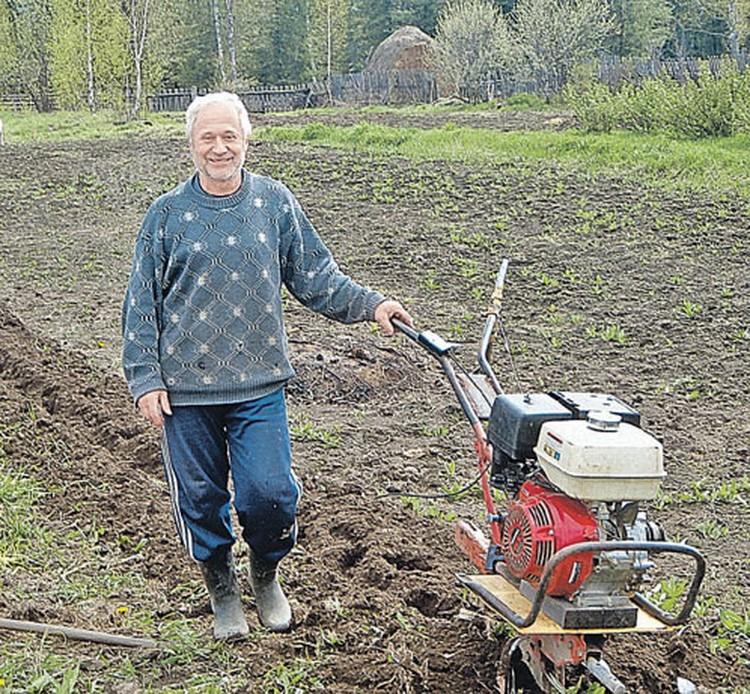 Последователь Виссариона Филипп Шмик был сотрудником крупной нефтяной компании, а стал огородником и депутатом райсовета.