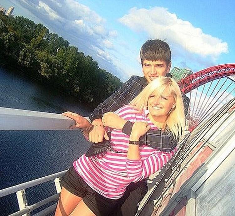 Ваня Агафонов тоже занимался спортом и был популярен у девушек.