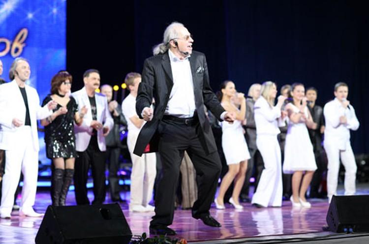 Энергии Олега Жукова в его 75 можно только позавидовать!