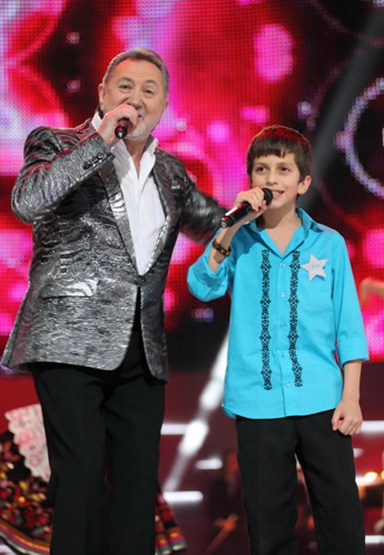 В первом шоу Набиль выступит дуэтом с Анатолием Ярмоленко.