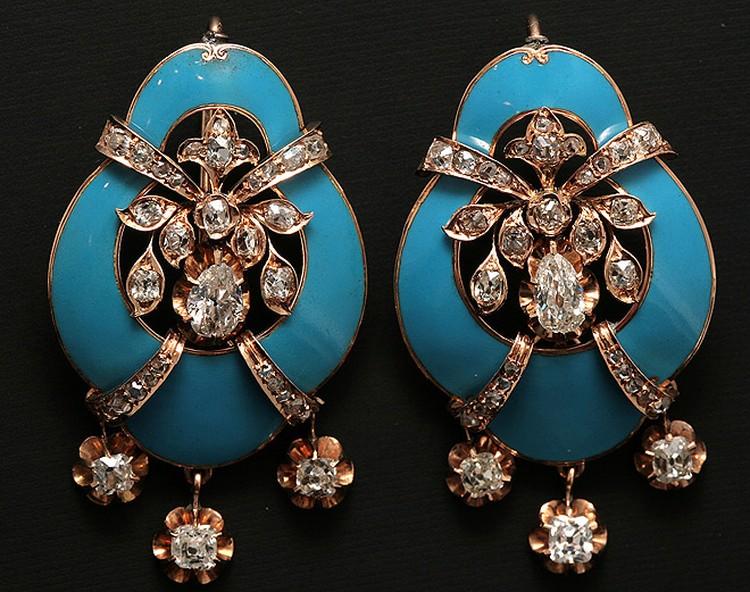 Золотые серьги с природными алмазами и бриллиантами и голубой эмалью. Западная Европа, конец XIX в.