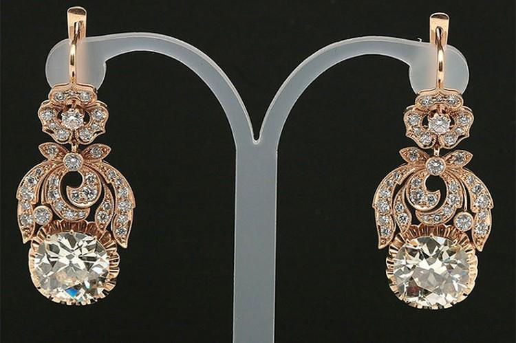Уникальные серьги Людмилы Зыкиной были проданы с молотка за 6,5 млн рублей