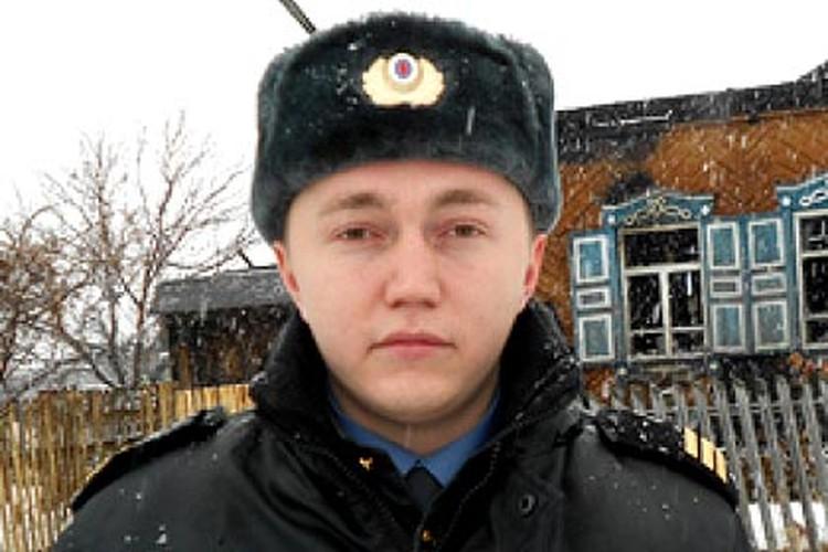 Максим Мухаметханов героем себя не считает и не сомневается: если бы не он, старика мог бы спасти любой из очевидцев пожара.