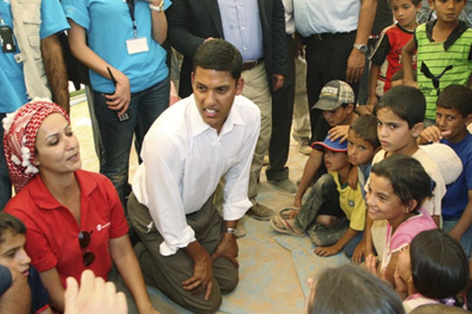 Одна из акций USAID: встреча с детьми сирийских беженцев в иорданском городе Мафрак (близ границы с Сирией). Сентябрь 2012 г.