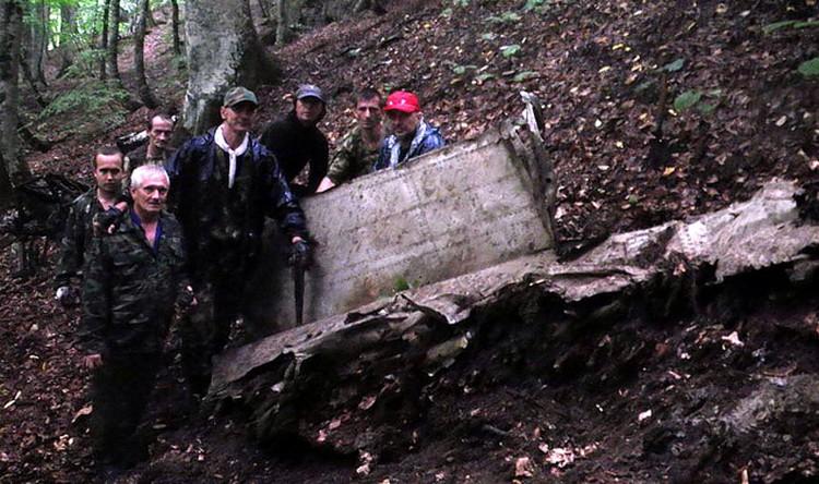 Кубанским поисковикам удалось найти не только табличку с номером самолета, но и останки экипажа.