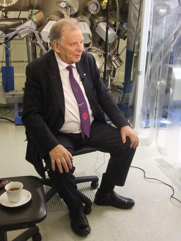 Фундаментальная  наука будет развиваться только тогда, когда развивается промышленность на высоких технологиях, - считает Жорес Алферов