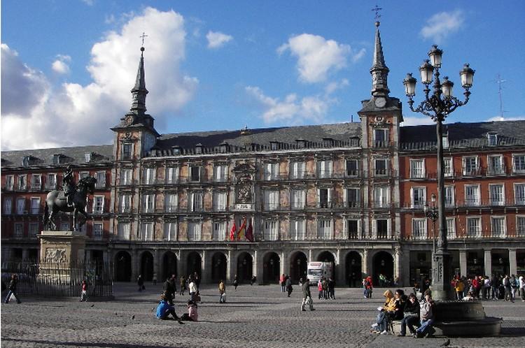 Пласа Майор - главная площадь Мадрида.