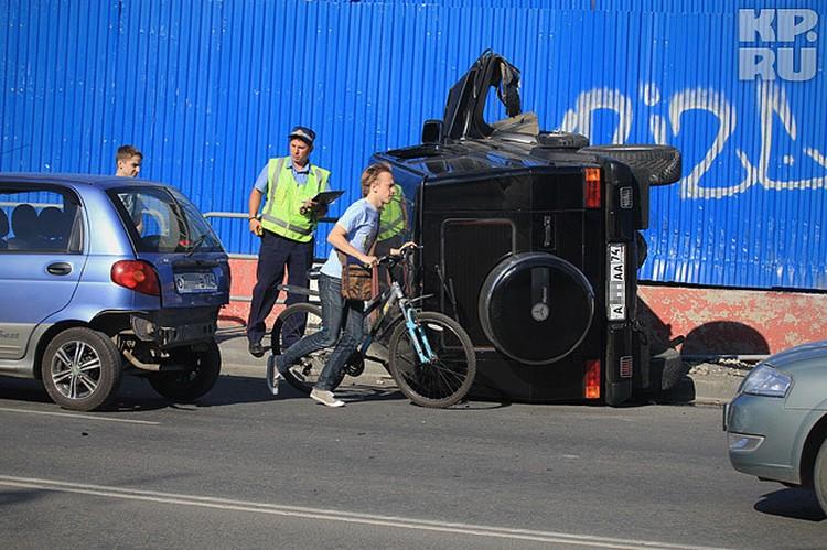 В среднем, такая машина стоит в автосалоне около 5 миллионов рублей