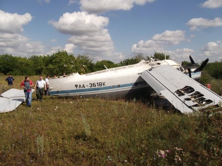 После жесткой посадки Ан-2 под Ростовом разрушений на земле нет