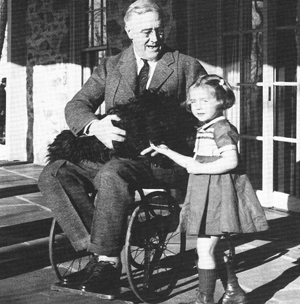 Франклин Делано Рузвельт – 32-й президент США также был инвалидом