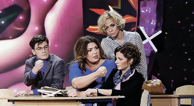 Одновременно с «Дружбой народов» на ТНТ стартует новый сезон Comedy Woman. Партнеры Скулкиной по сцене стараются ей не перечить.