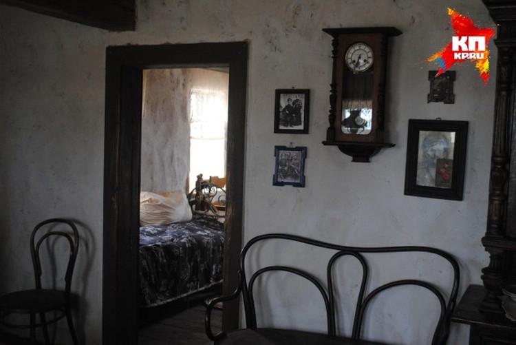 Шолоховеды говорят, что такой грязный дом был у плохой хозяйки