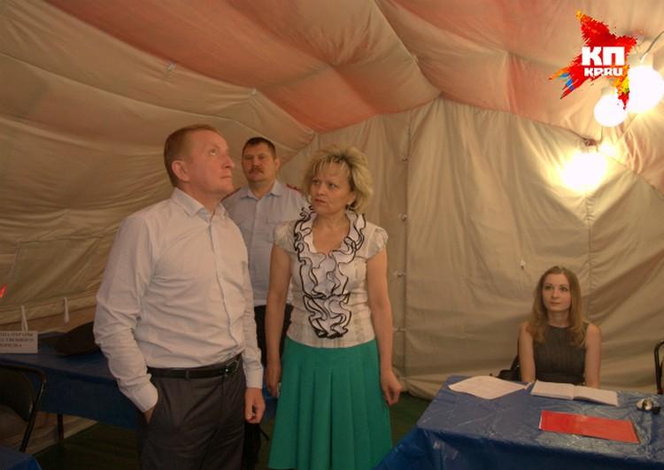 Вице-губернатор Сергей Горбань лично приехал проверить, какие условия созданы для приема беженцев.
