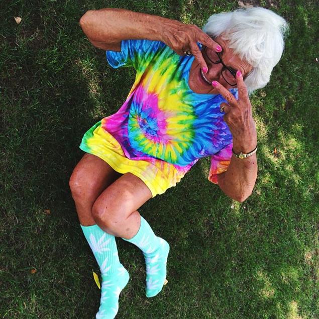 Поклонники со всего мира признаются старушке в любви и просят: «Бадди Винкл, будь моей бабушкой!»