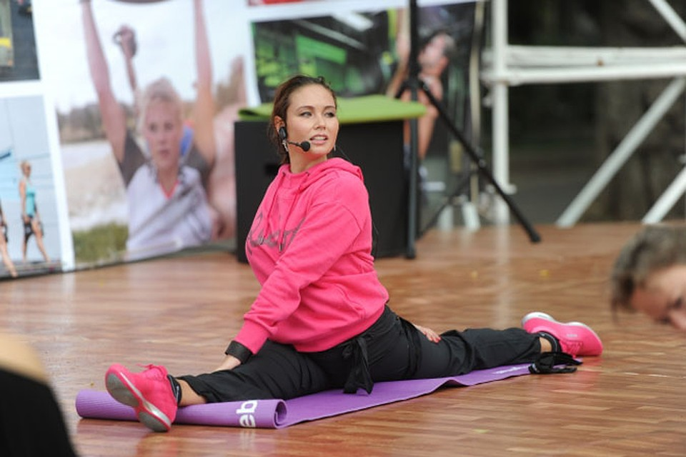 Ляйсан утяшева в комплексе упражнений для похудения