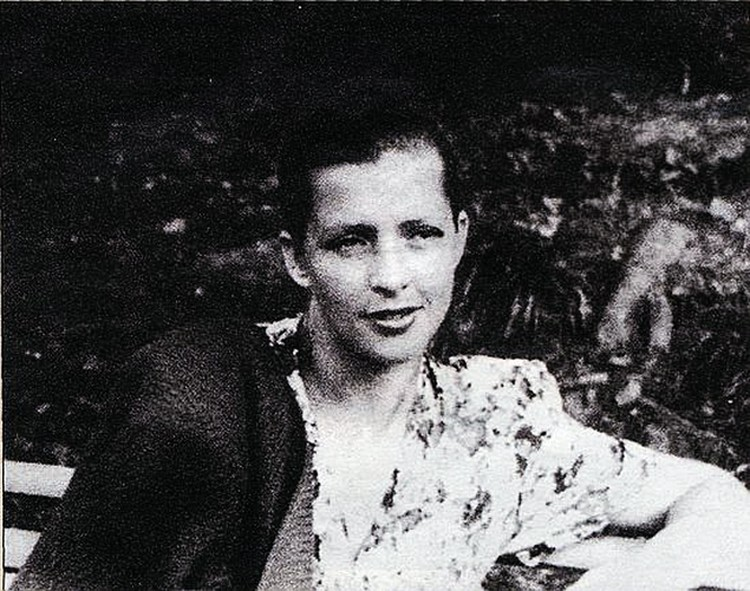 Балерина Зоя Пашкова (на фото) родила музыканту сына Максима, который, как и отец, стал композитором.
