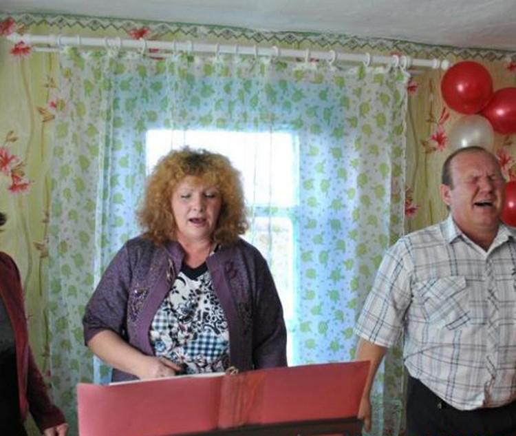 Родители Мария и Павел Пермяковы - пасторы религиозной организации Христианская церковь «Вера. Надежда. Любовь» в городе Балее.