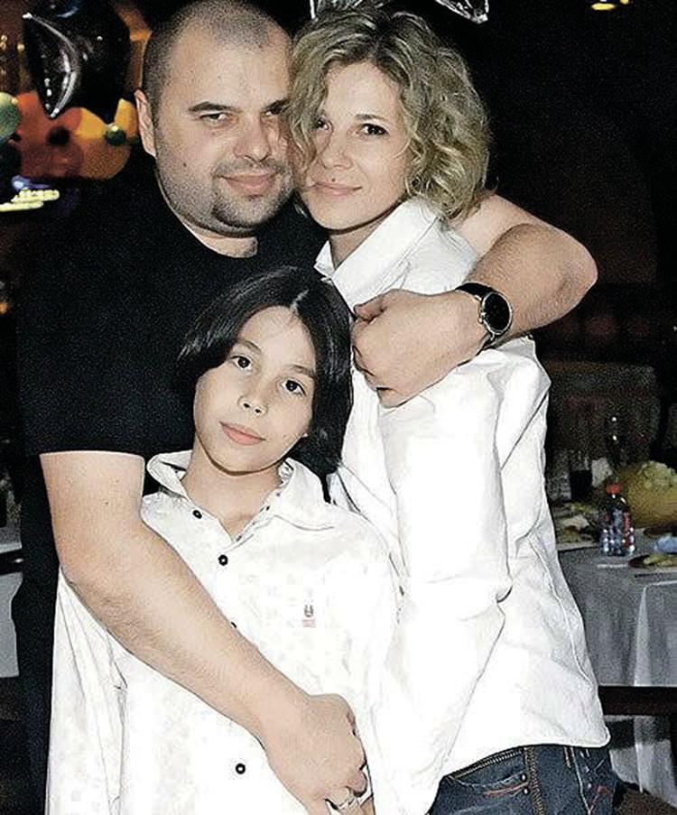 На Наташе Макс женат уже 25 лет. На фото вместе с сыном Саввой. Фото: личный архив Максима Фадеева.