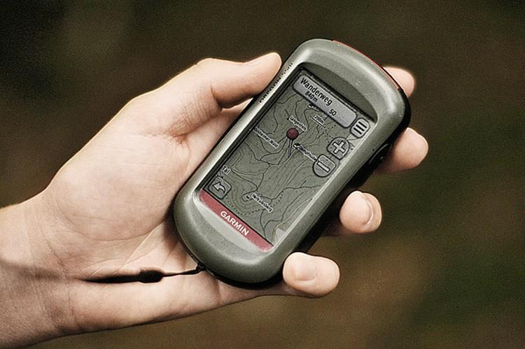 С портативным навигатором в лесу как-то спокойнее.