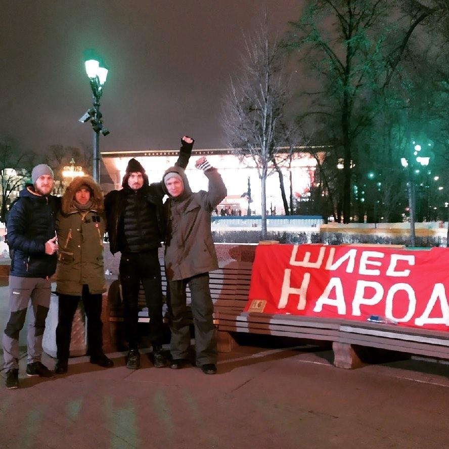Тальков со своей командой выступал в Симферополе и Севастополе, на севере перед защитниками Шиеса