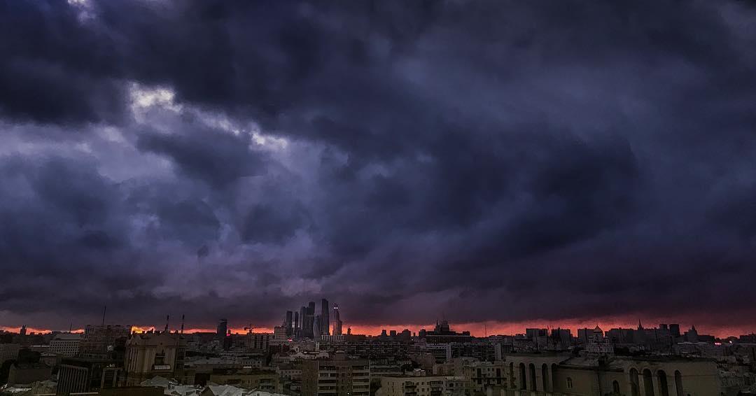 Апокалиптичненько :) . #Москва #Moscow