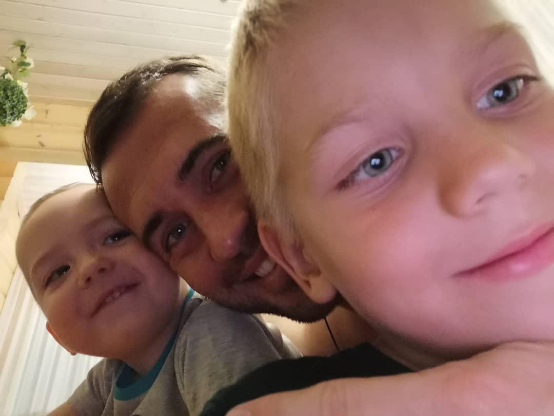 Старший сын, он же брат, он же фотограф