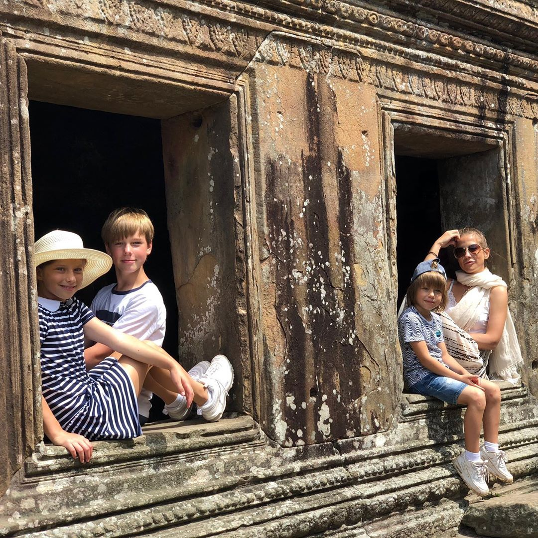 Утром мы были в древнем храме Преах Вихея...
