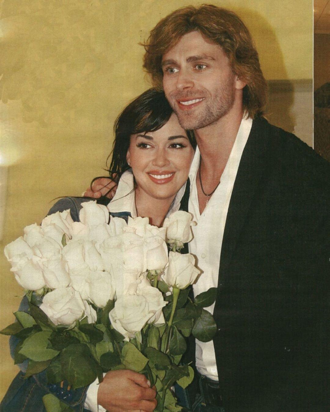 Сегодня Настя и Петр отмечают 12-ю годовщину со дня свадьбы!