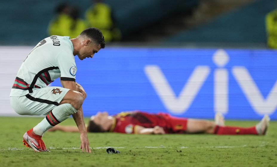Роналду после матча Бельгия - Португалия. Фото: REUTERS
