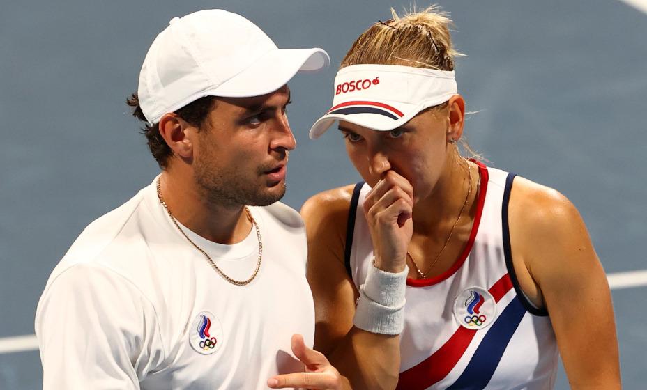 Елена Веснина и Аслан Карацев остановились в шаге от победы. Фото: Reuters