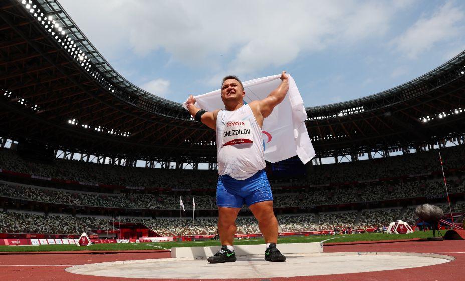 Денис Гнездилов добыл еще одно золото в копилку сборной России на Паралимпиаде-2020 в Токио. Фото: Reuters