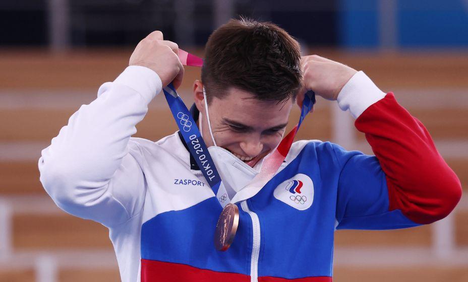 Никита Нагорный отвоевал бронзу у конкурентов на перекладине. Фото: Reuters