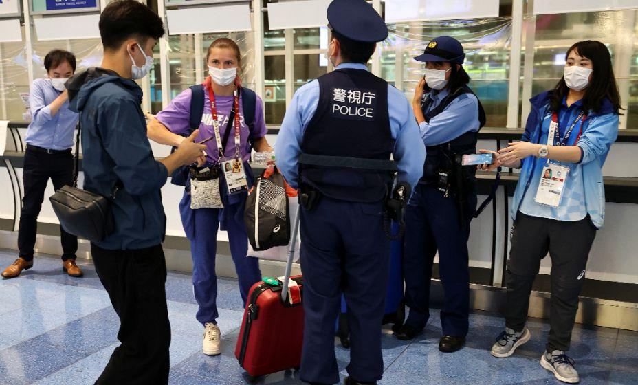 В аэропорту Токио Кристина Тимановская обратилась к полиции за помощью. Фото: Reuters