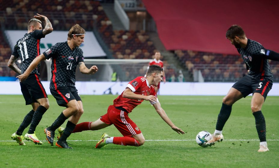 Арсен Захарян был лучшим в матче с Хорватией, но против Кипра его Карпин почему-то не выпустил. Фото: Global Press Look